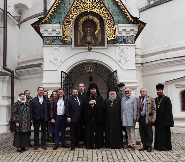 Цесаревич Георгий Михайлович молился за литией, отслуженной у гробницы Епископа Порфирия (Успенского) в Новоспасском монастыре